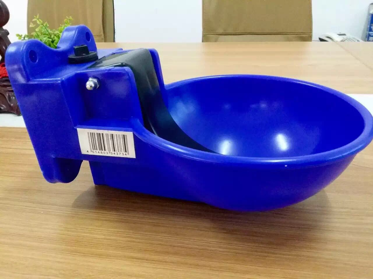 Sheep/lamb/goat drinking bowl waterer